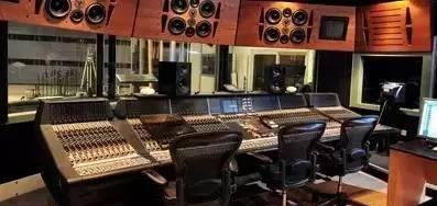 数字调音台比传统模拟调音台有哪些优势?