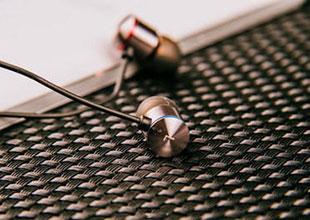 实力科普!看看你的手机耳机属于哪一种?