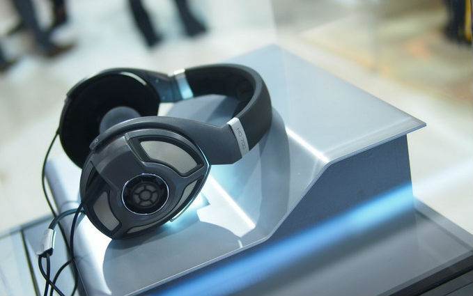 Sennheiser高品质HiFi耳机HD700