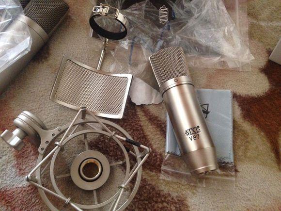 MXL V87 大振膜电容话筒试用评测