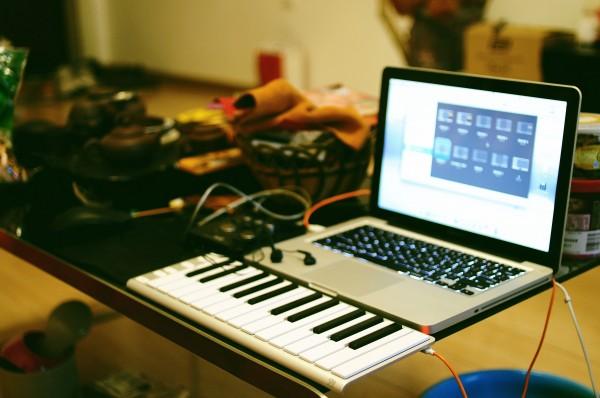 CME Xkey 键盘评测——MIDI 菜鸟的首支键盘