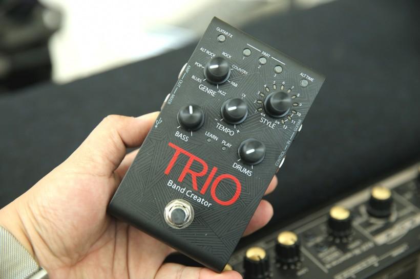 带自动伴奏的撸琴神器——DigiTech TRIO 单块效果器上手试玩