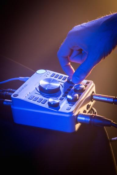 Arturia 揭晓革命性的艺术品般的 AudioFuse 音频接口