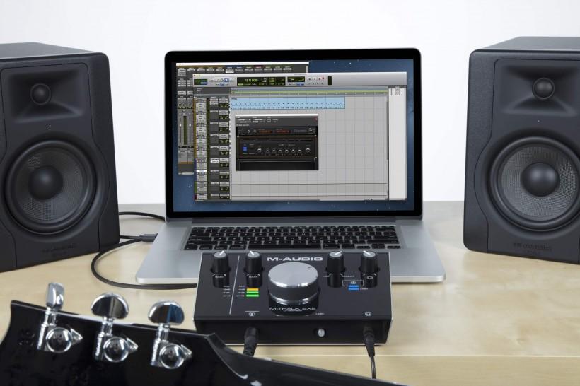 M-Audio 键盘和音频接口将赠送 Avid Pro Tools First 和 Eleven Lite 软件