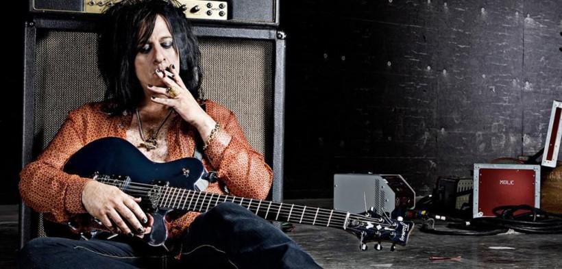 美国职业吉他手教你使用铝带麦克风