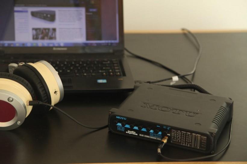 火线和 USB 2.0 混合音频接口 MOTU Audio Express 声卡简介