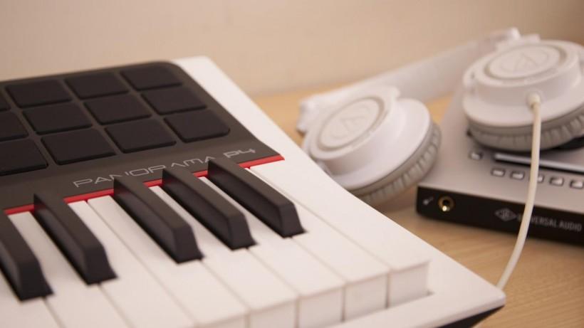 可能是最强的 MIDI 键盘了——Nektar Panorama P4 MIDI 键盘测评(下)