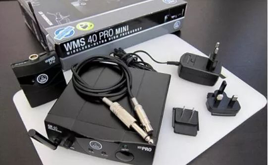 AKG 爱科技C411 PP乐器无线收发器