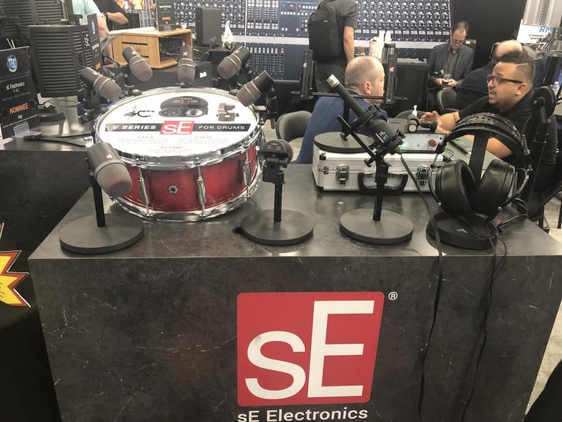 THE NAMM SHOW 2019 展会:sE 的 V 系列鼓组/支架 V KICK、V BEAT 和 V CLAMP 一时间上手