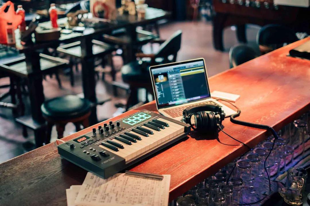 Nektar LX系列键盘跟打击垫如何同时控制钢琴跟鼓音色?