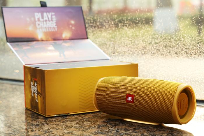 JBL Charge4蓝牙音箱评测 这个潮人都喜欢用的品牌表现怎么样?
