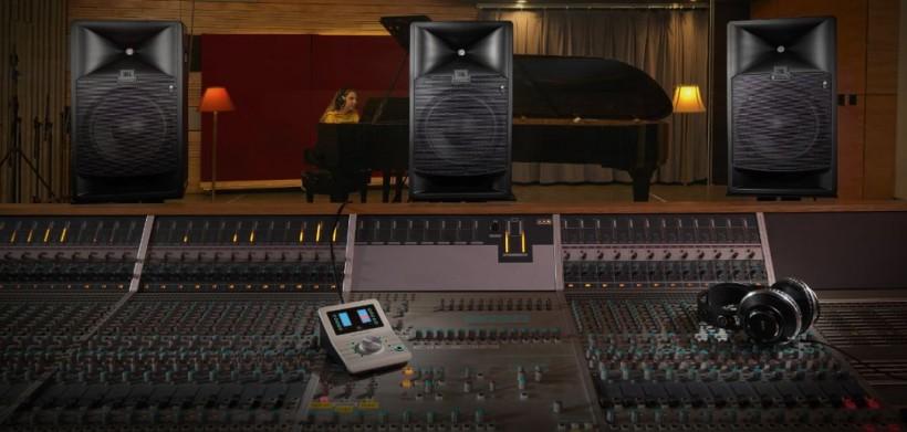 视频:JBL 7系 列参考级监听音箱——听最真的声音,谱最动人的曲调