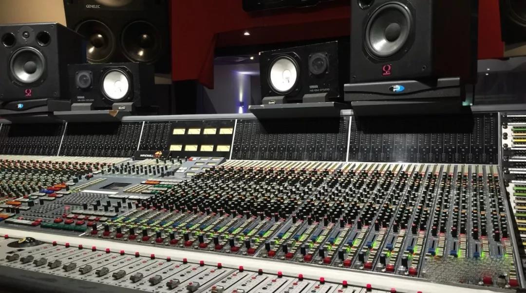 调音台与数字调音台的功能和区别