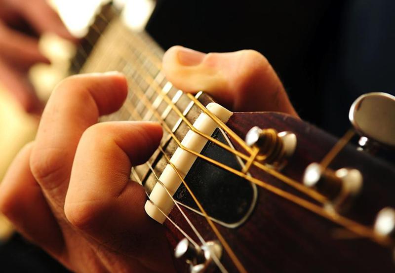 为什么中国没有吉他指弹大师?