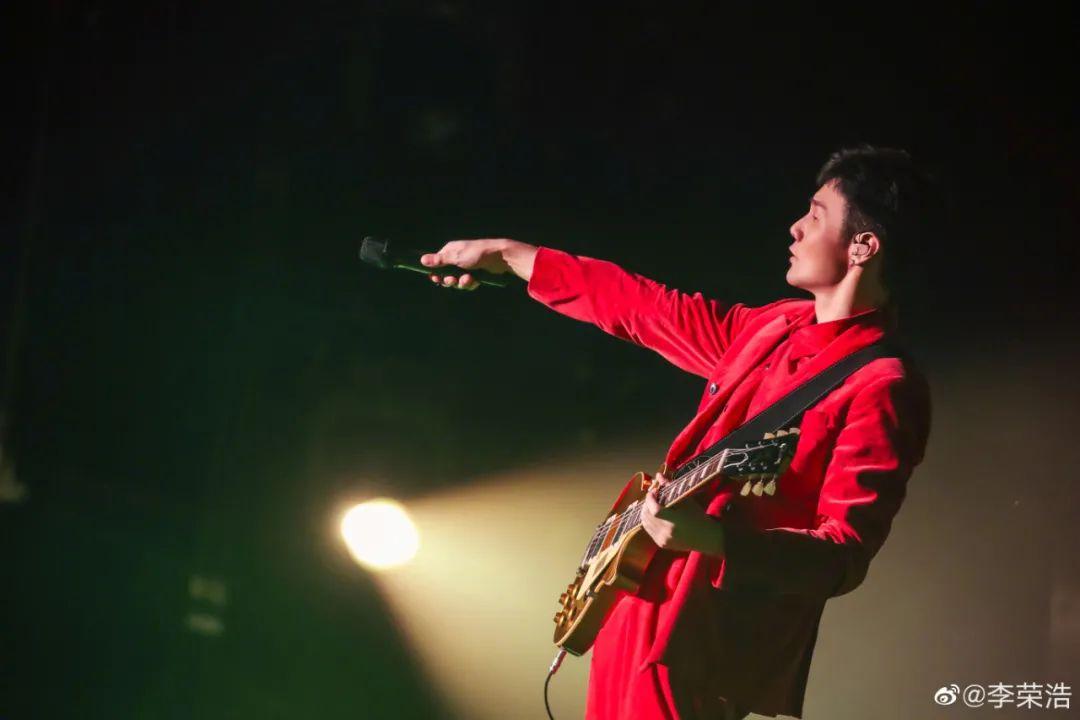 越来越懂营销的李荣浩,离音乐越来越远了吗?