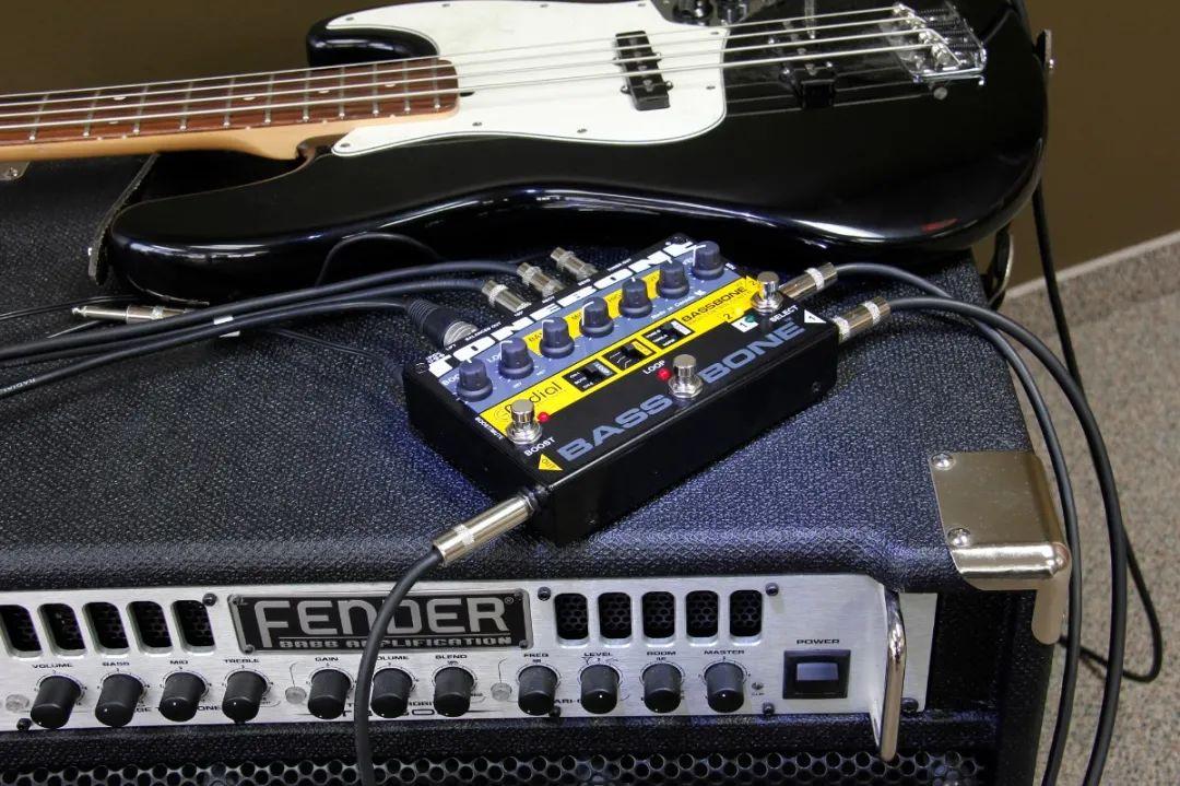 产品介绍 Radial BassBone V2 双通道低音前置放大器