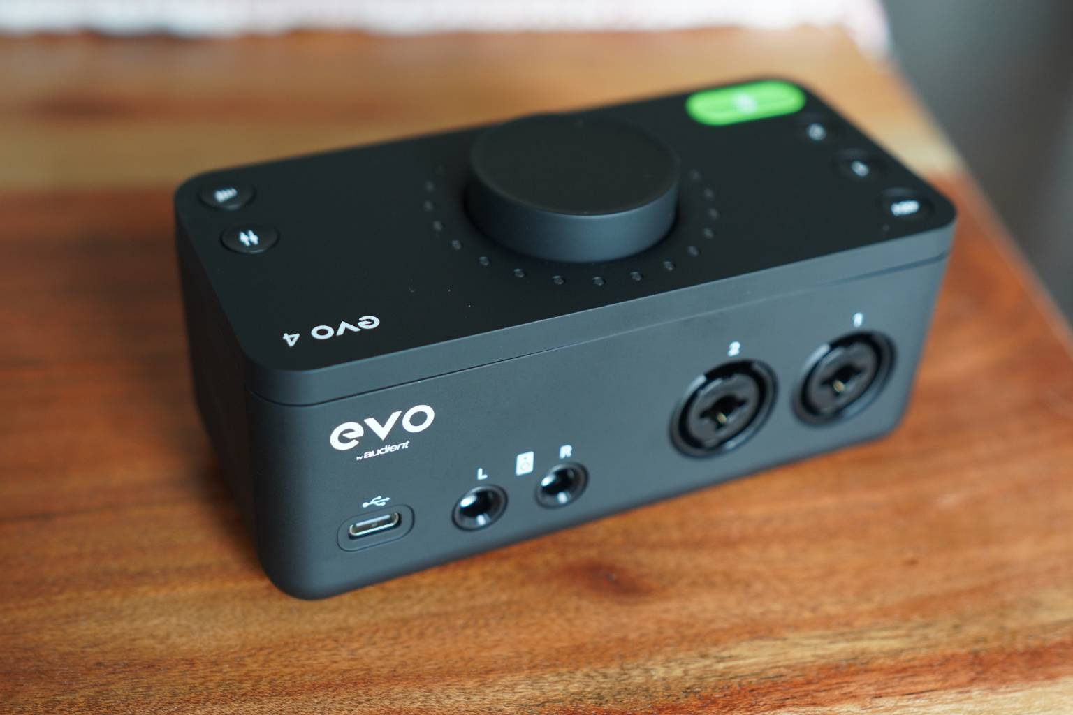 Audient EVO4和EVO8录音声卡 点评