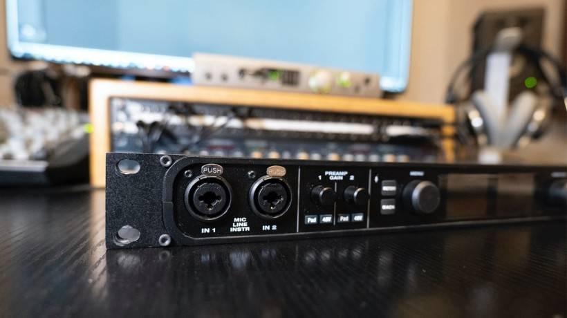当之无愧的中小型工作室声卡性价比佼佼者 MOTU 828es 功能简评