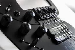 MIDI 吉他的飞跃:Rob OReilly 发布新款 MIDI 吉他 Expressiv MIDI Pro 2
